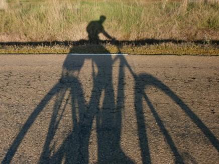 La sombra es alargada
